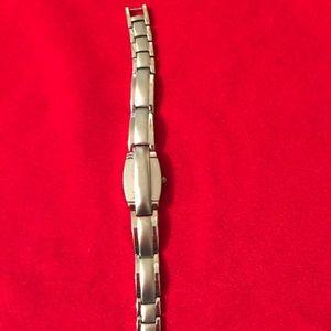 Unique Quartz bracelet style watch Silver